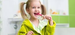 Acidolac artykuł - Szczoteczki elektryczne, soniczne i manualne, czyli rodzaje szczoteczek do zębów