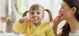 Acidolac artykuł - Jak prawidłowo dbać o higienę jamy ustnej u dzieci?