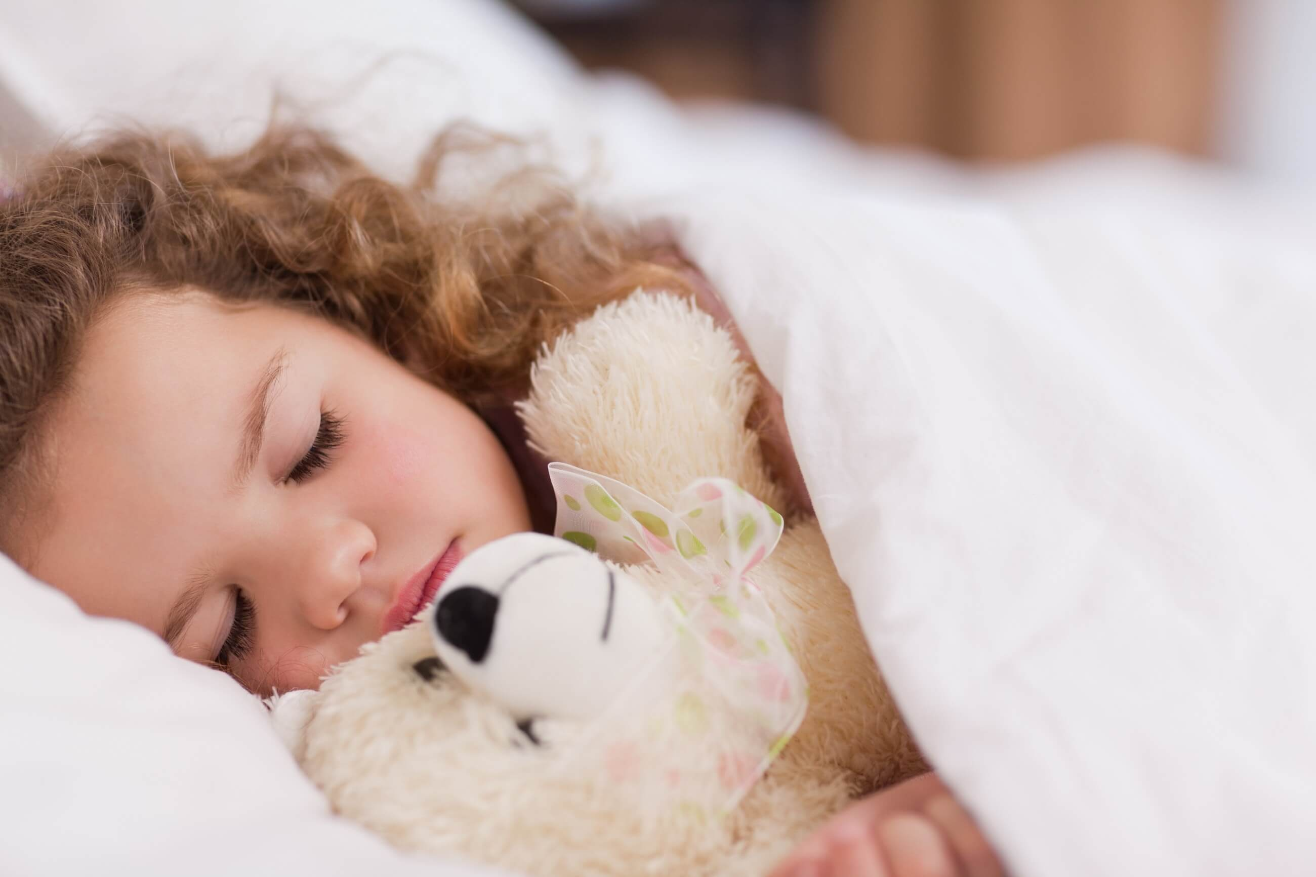 Kiedy i do jakiego lekarza udać się z biegunką lub wymiotami u dziecka?