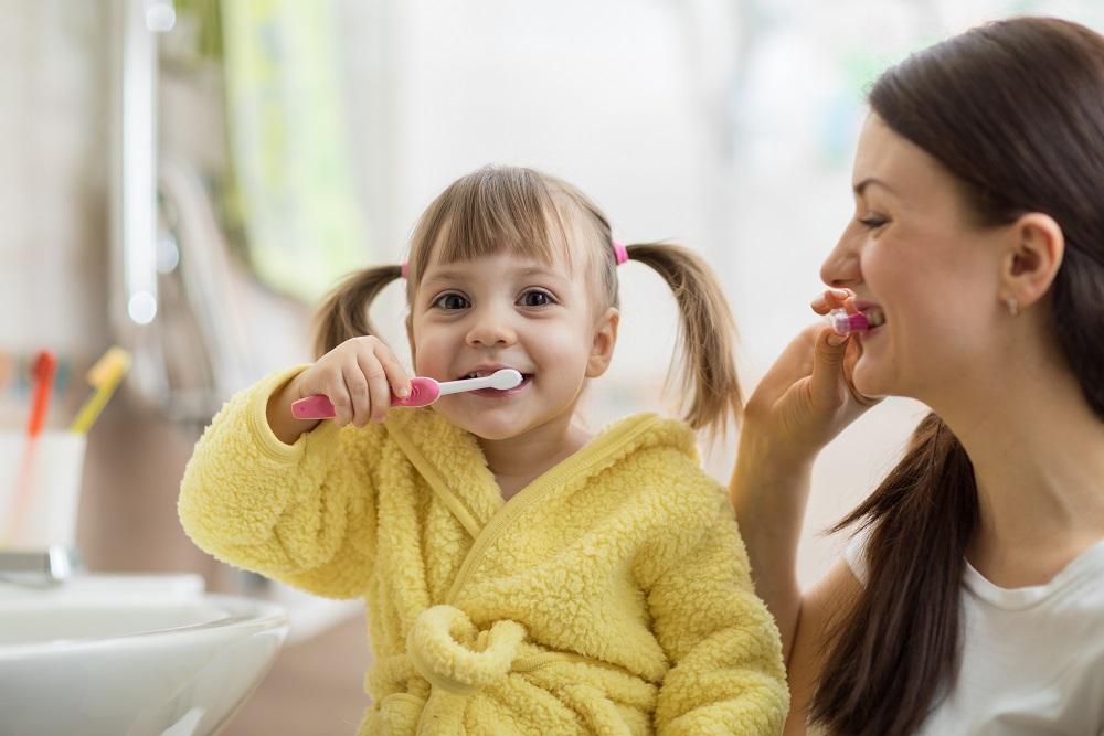 Jak prawidłowo dbać o higienę jamy ustnej u dzieci?